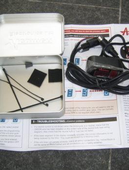 ACUMEN-DGV-Digital-gear-display-Voltmeter