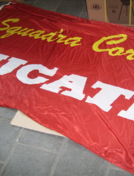 Flag-Ducati-Squadra-Corse