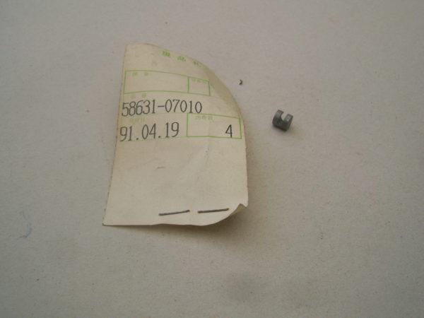 Suzuki-End-piece-throttle-grip-58631-07010