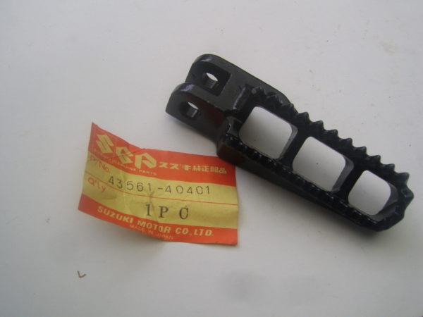 Suzuki-Footrest-43561-40401