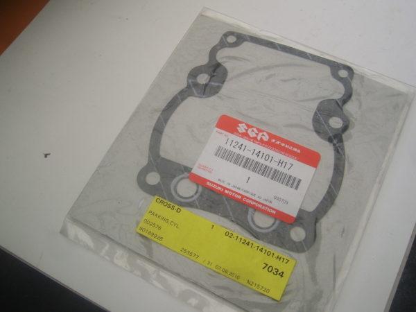 Suzuki-Gasket-11241-14101-H17