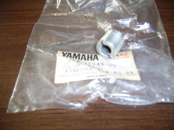 Yamaha-Adapter-tachometer-256-17848-00