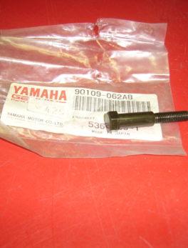 Yamaha-Bolt-90109-062A8