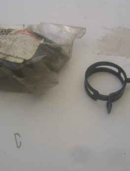 Yamaha-Clamp-hose-90467-25066