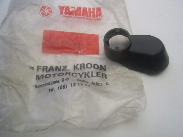 Yamaha-Cover-flasher-1H2-82542-10