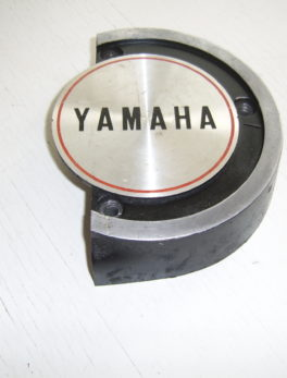 Yamaha-Cover-oil-pump-278-15416-00-emblem
