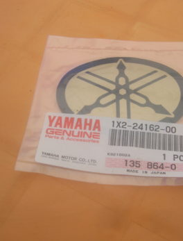 Yamaha-Diagram-fuel-tank-1X2-24162-00