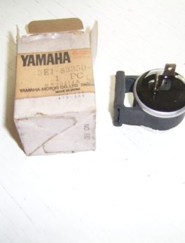 Yamaha-Flasher-relay-3E1-83350-11