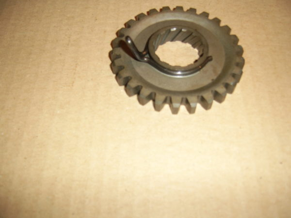 Yamaha-Gear-kick-1KT-15641-00