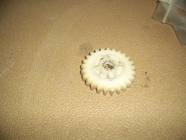 Yamaha-Gear-pump-drive-329-13178