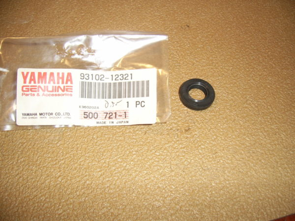 Yamaha-Oil-seal-93102-12321