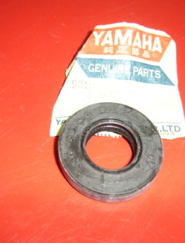Yamaha-Oil-seal-93102-20010