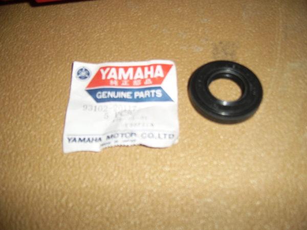 Yamaha-Oil-seal-93102-20117