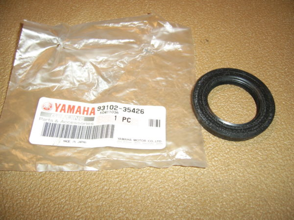 Yamaha-Oil-seal-93102-35426