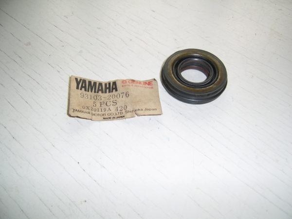 Yamaha-Oil-seal-93103-20076