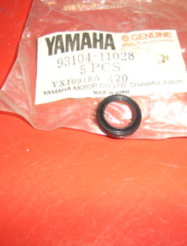 Yamaha-Oil-seal-93104-11028