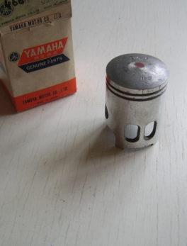 Yamaha-Piston-466-11631-01-98