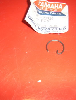 Yamaha-Piston-clip-93450-20026