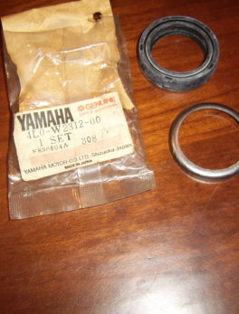 Yamaha-Seal-front-fork-4L0-W2312-00