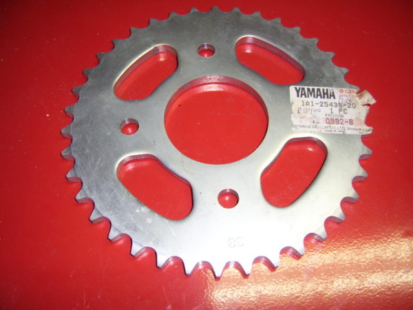 Yamaha-Sprocket-1A1-25438-20
