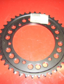 Yamaha-Sprocket-52X-25440-20-33